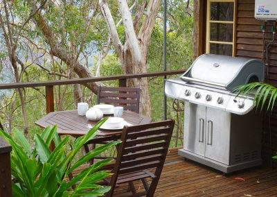 _0000_Ridge-Cottage-Binna-Burra-Lamington-BBQ-Deck