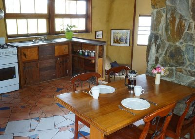 _0007_Ridge-Cottage-Binna-Burra-Lamington-Kitchen-Dining