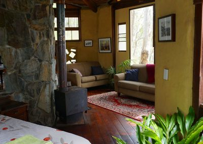 _0008_Ridge-Cottage-Binna-Burra-Lamington-Queen-Bedroom-Lounge